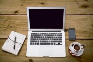 2011年のモデル 、Macbook Pro Mid 2011、Macbook Air Late 2011がEOSLへ